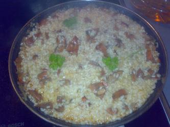 Receta de cómo preparar un sabroso arroz con níscalos.
