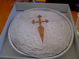 Un buen dulce para terminar como una sabrosa tarta de Santiago.