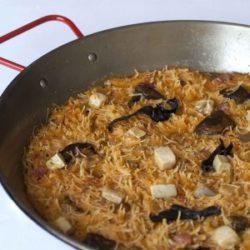 Fideos con setas y jamón en el genial Restaurante La Sequieta